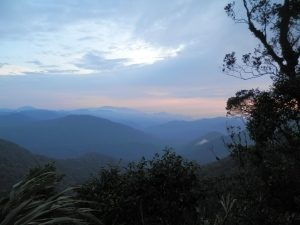 But if not don't worry, the warm-up to the Milky Way isn't half bad either. Dusk atop Gunung Brinchang.